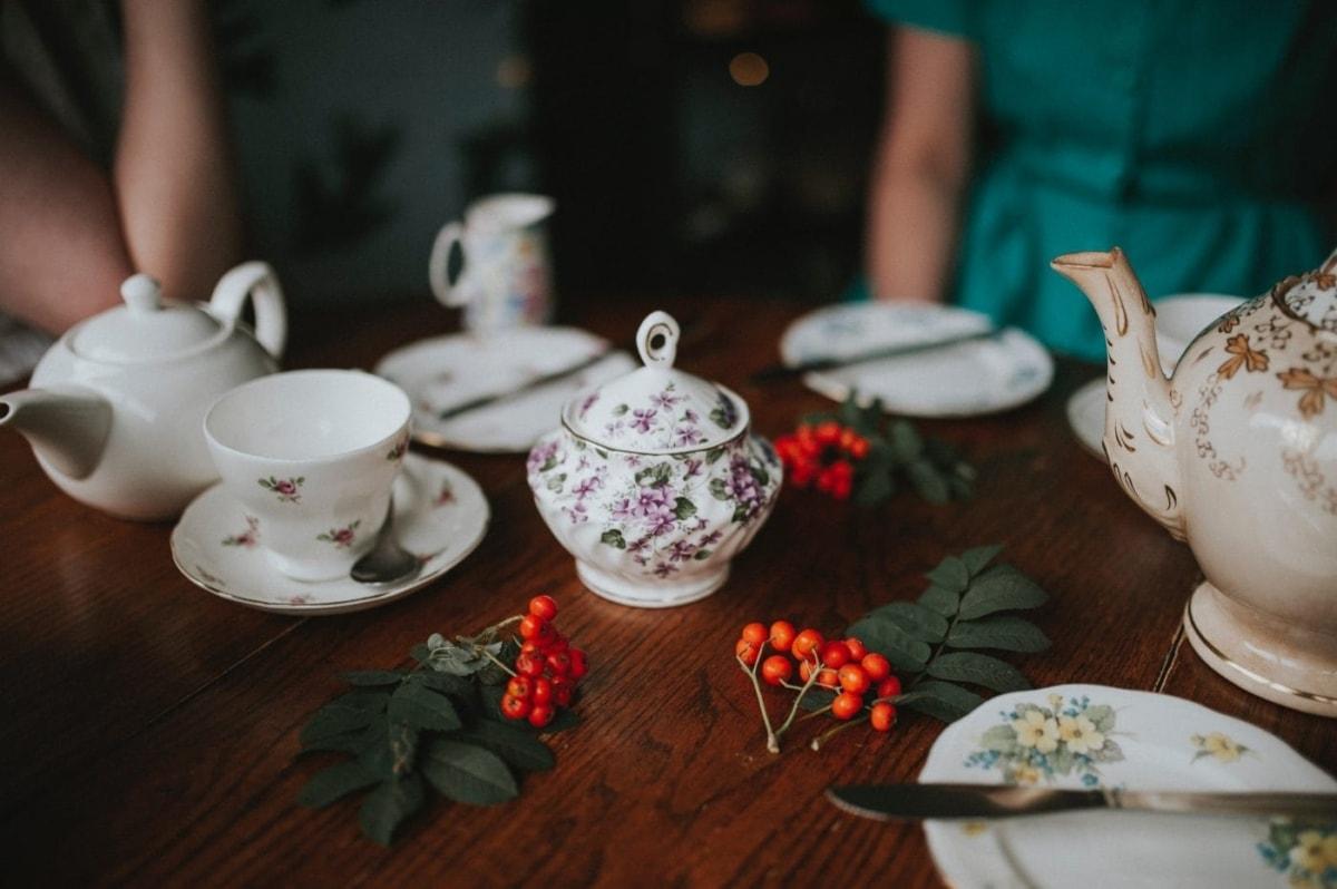 Κάλεσμα στο σπίτι για τσάι