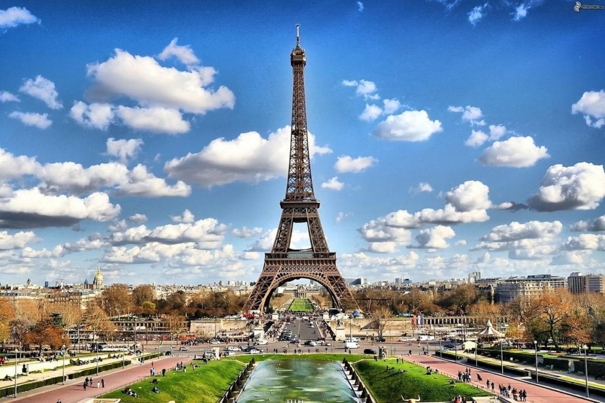 9 πράγματα που πρέπει να κάνεις στο Παρίσι