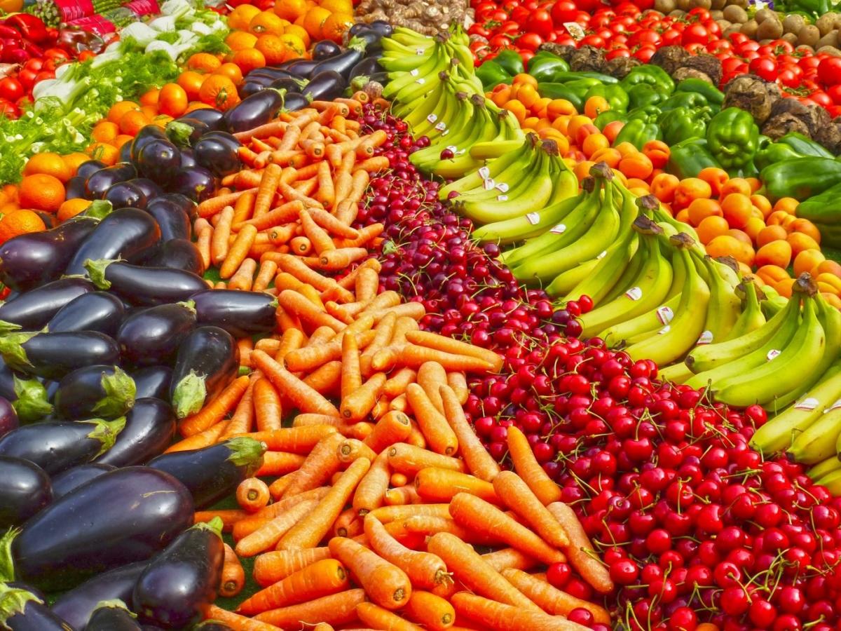 Φρούτα και λαχανικά που καταναλώνουμε τον Ιούνιο