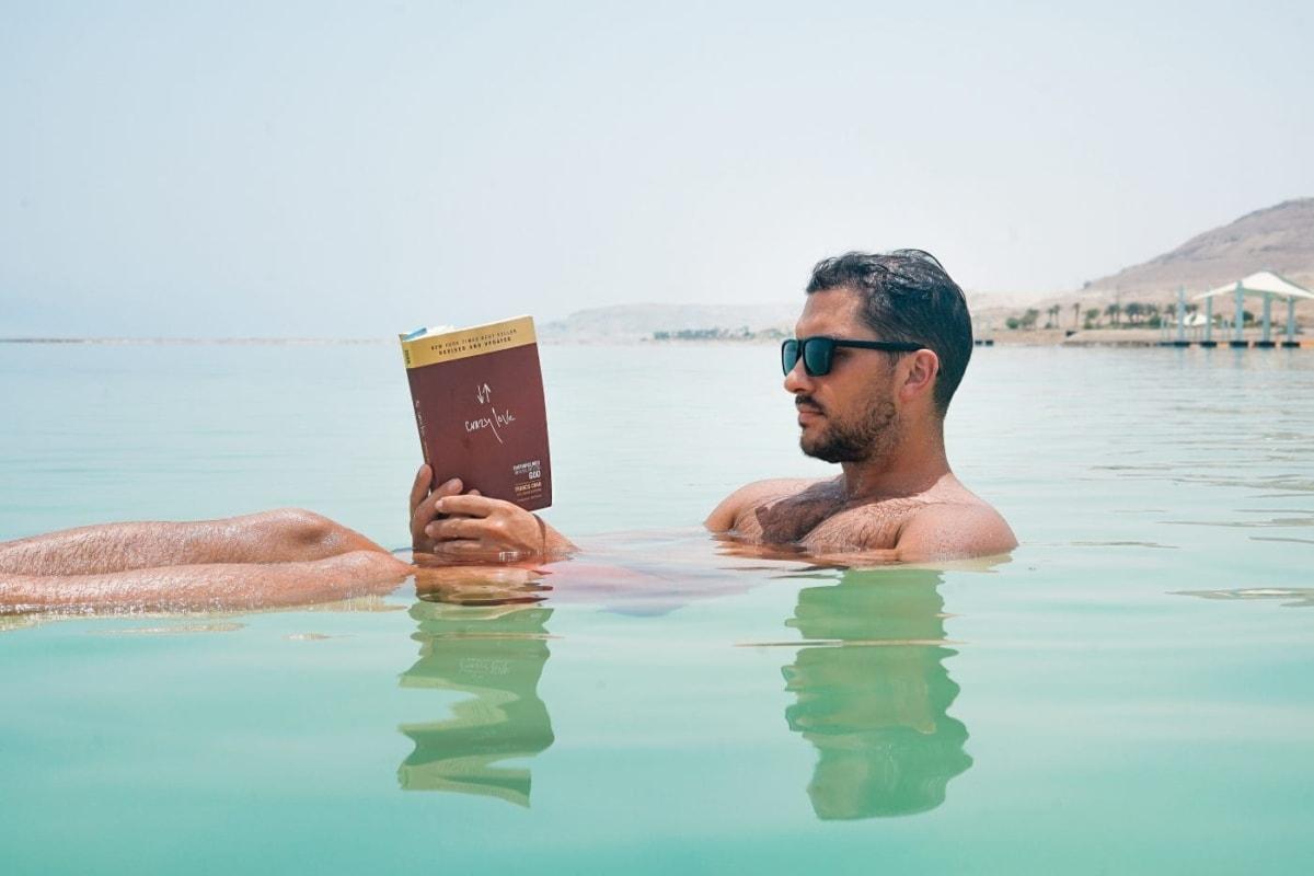 4 μυθιστορήματα για τις διακοπές σου