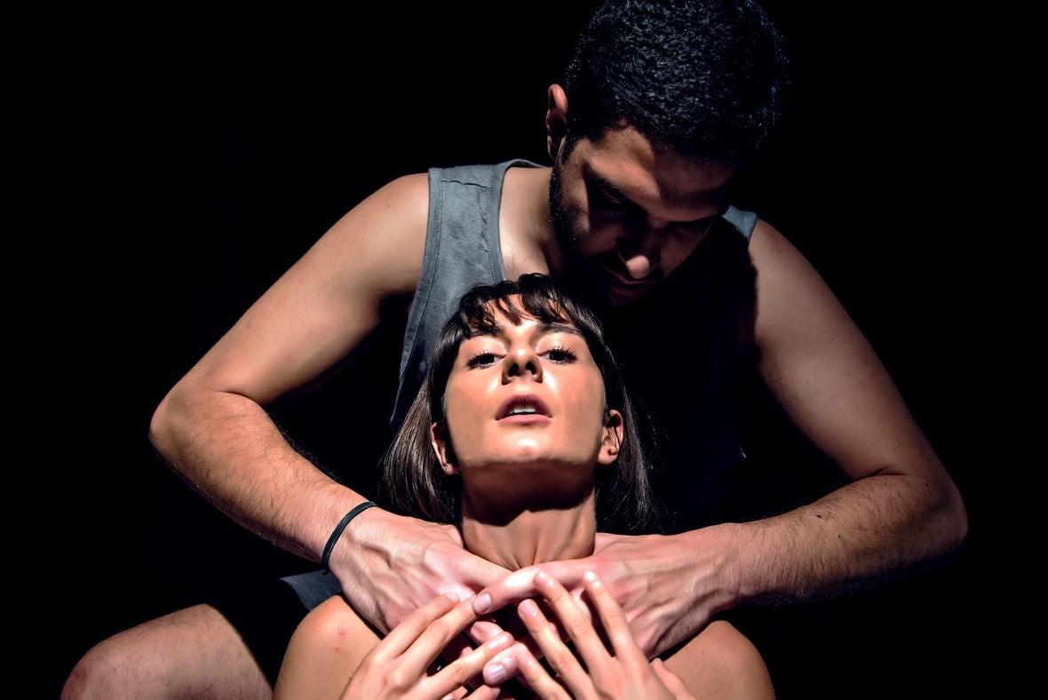 """""""Πιασμένοι σε Δεντρόσπιτα"""" στο θέατρο Faust"""