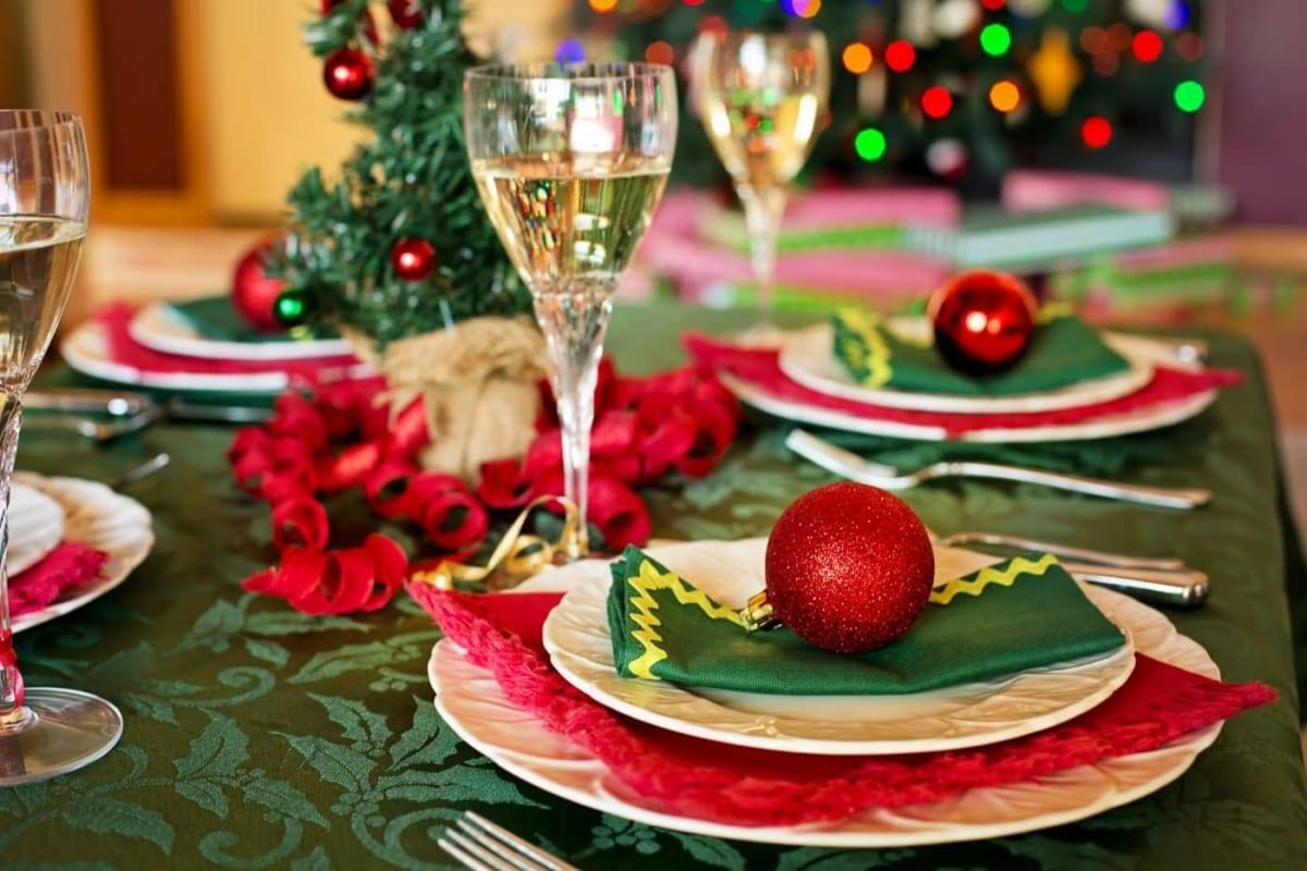 Έξυπνα (και πρακτικά) tips για το γιορτινό τραπέζι