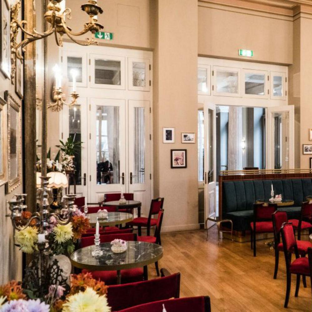 Άνοιξε το Foyer Cafe Bistrot στο Δημοτικό θέατρο του Πειραιά