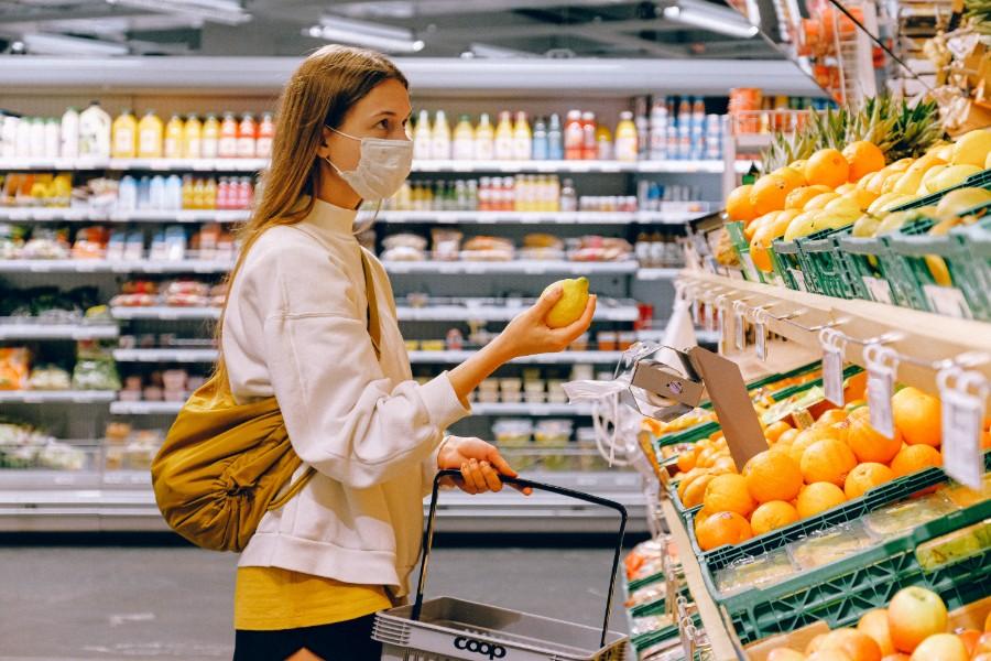 Κορονοϊός: Τι πρέπει να κάνουμε με τρόφιμα και ψώνια σούπερ μάρκετ