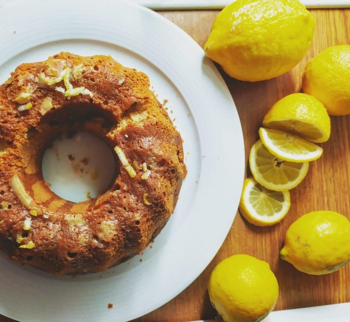 Νοστιμότατο κέικ λεμονιού