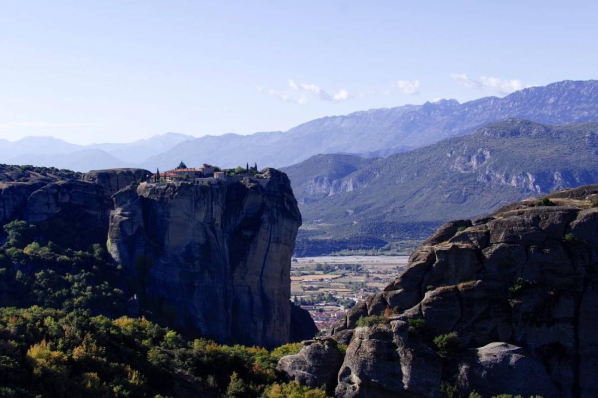 Καστράκι: Το χωριό που βρίσκεται κάτω από τους βράχους των Μετεώρων