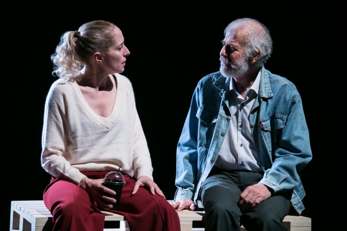 Θέατρο Νέου Κόσμου: 32 παραστάσεις για να δεις online