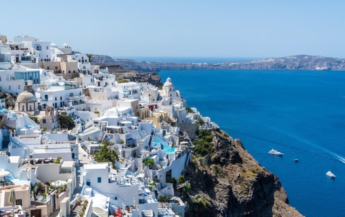 Στις 15 Ιουνίου ξεκινάει ο τουρισμός