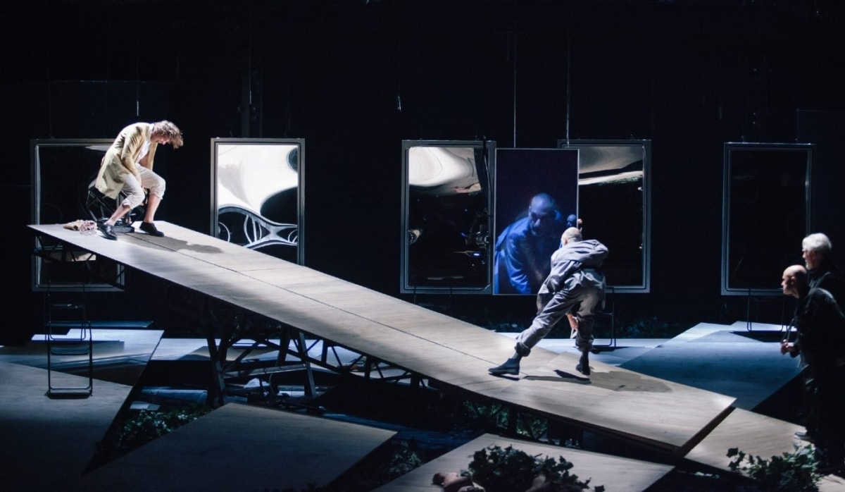 """Δημοτικό Θέατρο Πειραιά: Ο """"Καλιγούλας"""" με τον Γιάννη Στάνκογλου online στις 9/5"""