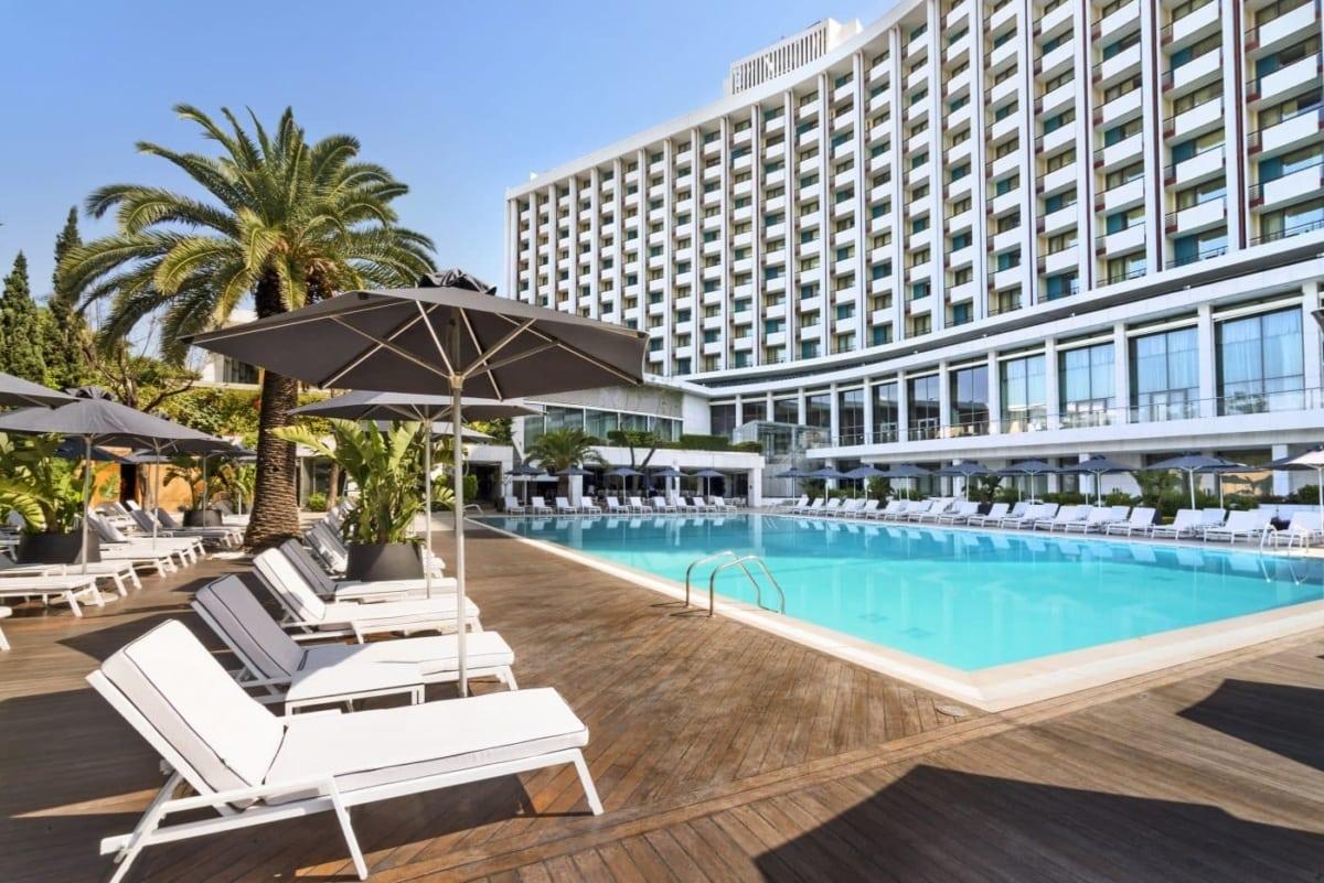 """Το Hilton ανοίγει κι ετοιμαζόμαστε για """"διακοπές"""" στη πόλη"""