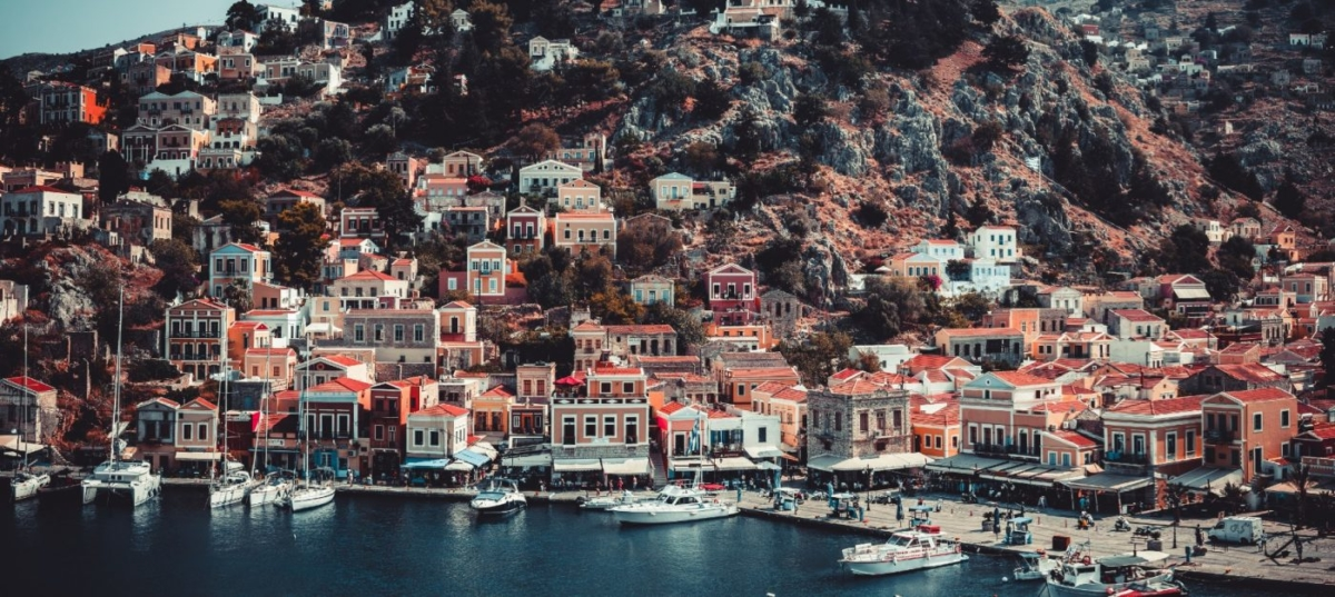 Insider: Σε ποια μέρη θα απολαύσεις διακοπές χωρίς πολύ τουρισμό στην Ελλάδα;