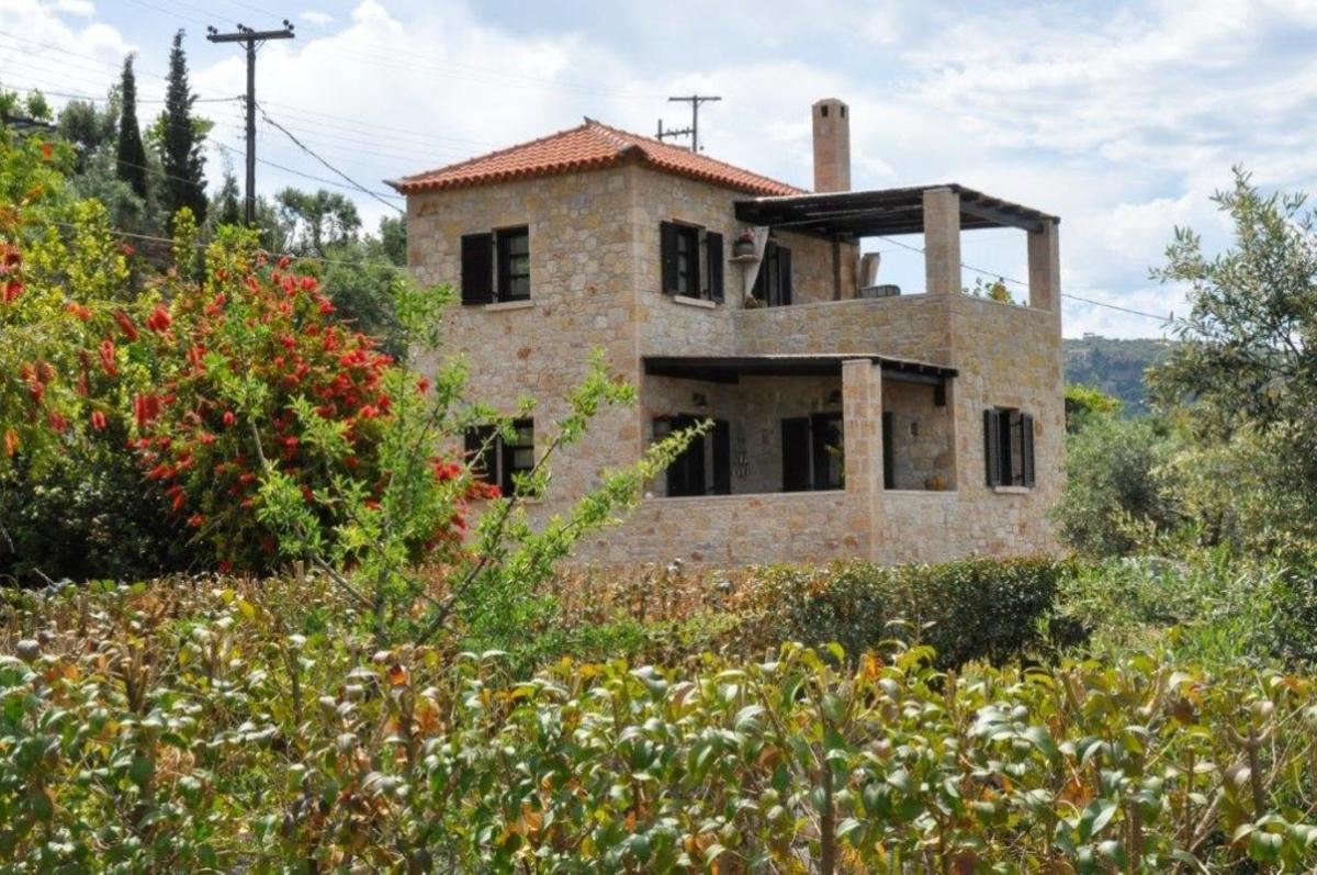 Polismata Private Residences: Ένα φιλόξενο «βασίλειο» στη μεσσηνιακή Μάνη