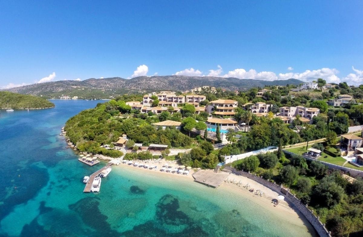 Διακοπές σε ένα φυσικό τοπίο απαράμιλλης ομορφιάς μπροστά στη θάλασσα στα Σύβοτα