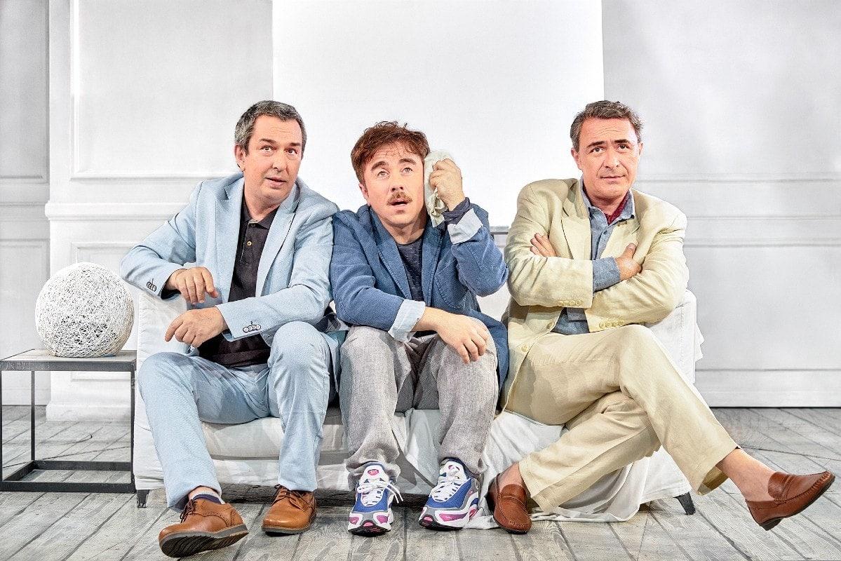 """Η παράσταση """"ART"""" ξεκινάει καλοκαιρινή περιοδεία και η φιλία τριών αντρών θα δοκιμαστεί για τα καλά"""