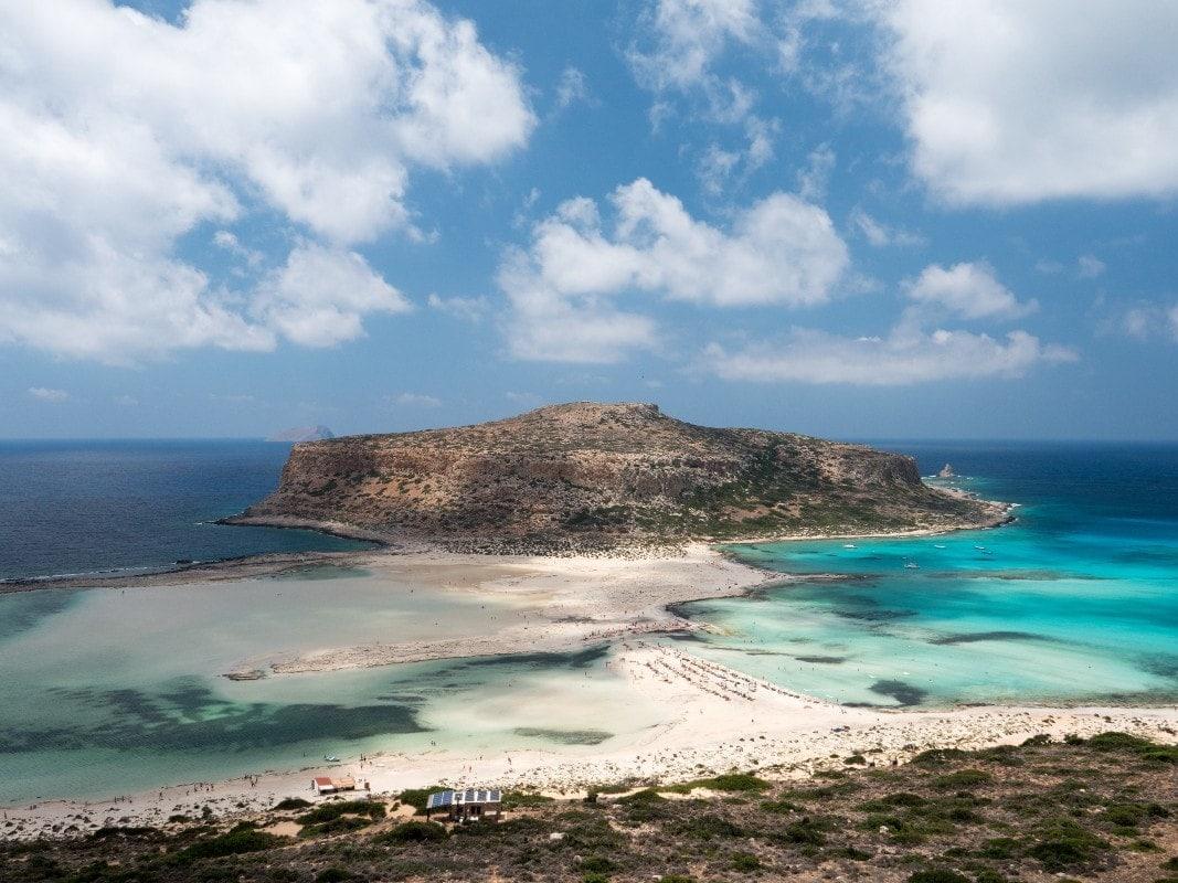 Στην Ελλάδα οι τρεις από τις δέκα ωραιότερες παραλίες της Ευρώπης