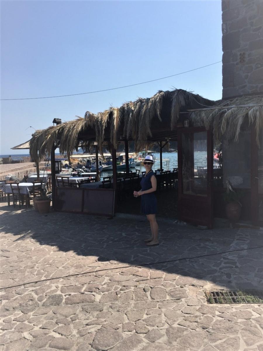 Η Νάντια Πασχάλη μας ξεναγεί στον τόπο καταγωγής της, τη Μυτιλήνη