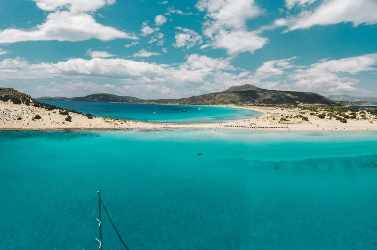 Ο Σίμος είναι η εξωτική παραλία της Ελαφονήσου
