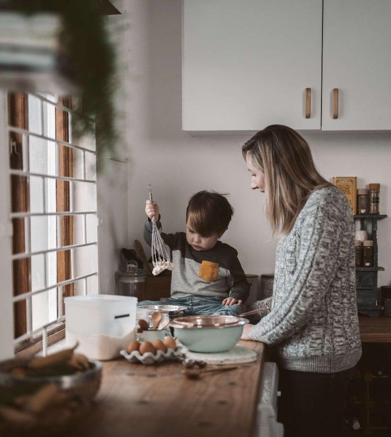 Πώς να περάσεις με το παιδί σου δημιουργικό χρόνο μέσα στο σπίτι