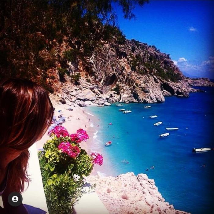 Κάρπαθος: Βουτιές στη παραλία Κυρά Παναγιά