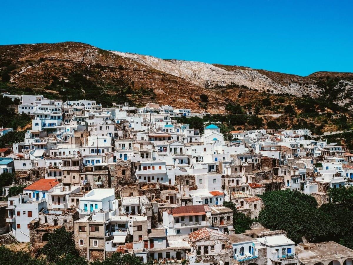Απείρανθος: Το μαγευτικό ορεινό χωριό της Νάξου (video)