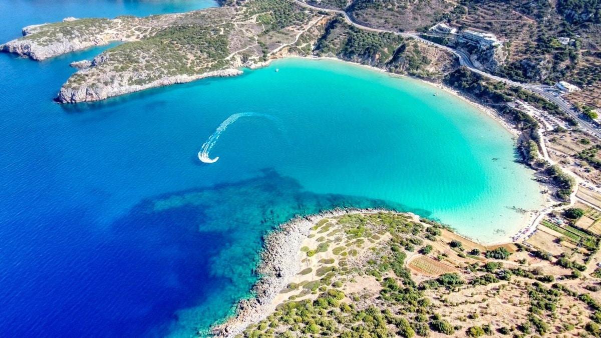 Κρήτη: Στην εξωτική παραλία Βούλισμα θα κολυμπήσεις σε διάφανα νερά