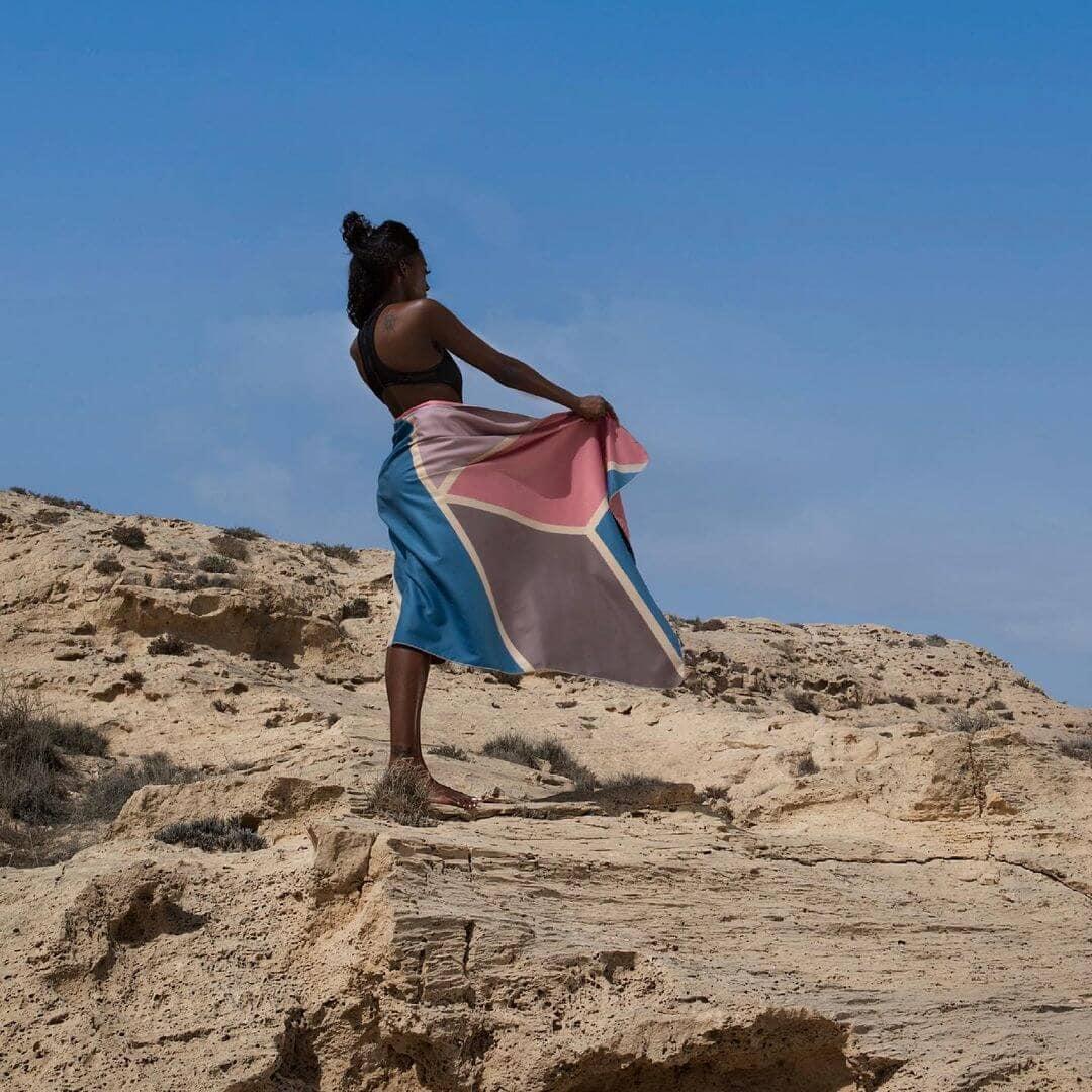 Anaskela: Το brand βιώσιμης μόδας  απογειώνει τις πετσέτες θαλάσσης